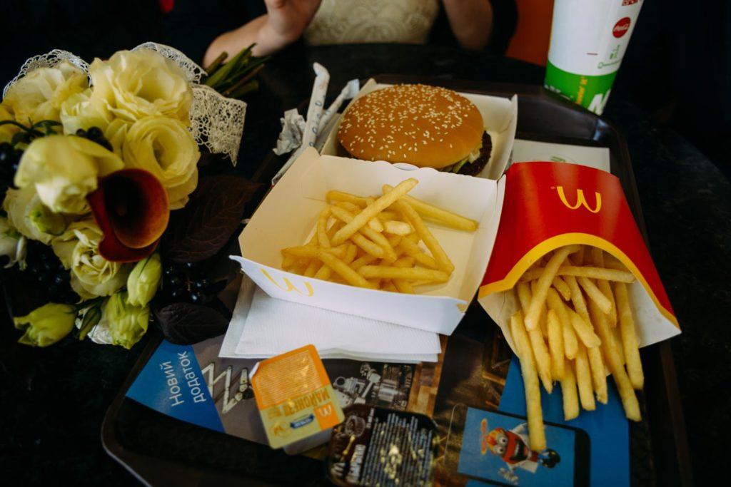 Свадебная фотосессия в McDonald's Киев