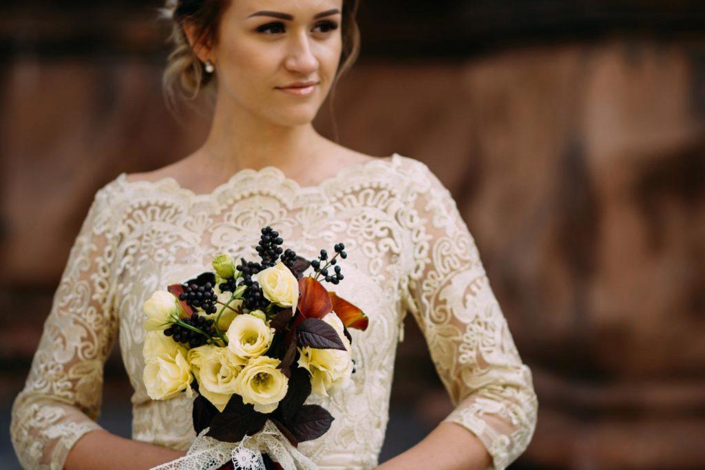 Невеста возле Николаевского костела