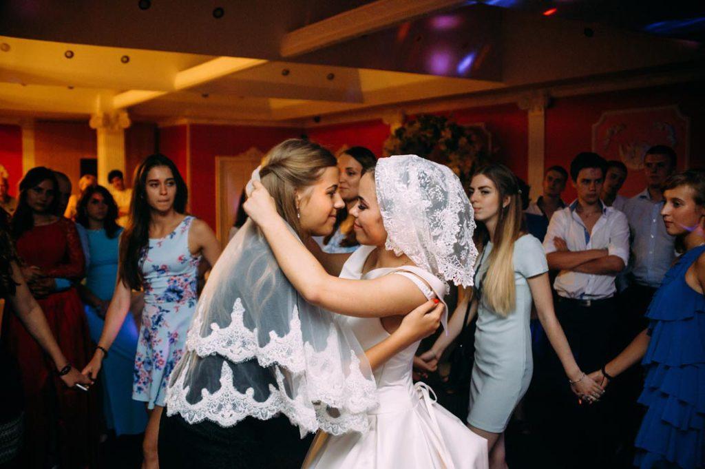 Ритуал снятия фаты на свадьбе